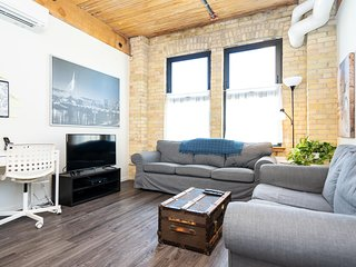 Trendy 2 Bedroom Loft In The Exchange