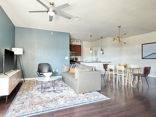 Sonder | Pearl District | Sun-Filled 2BR + Balcony