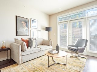 Sonder   Pearl District   Lovely 2BR + Balcony