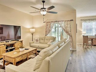 Central Townhome w/Pool Access ~10 Mins to Disney!