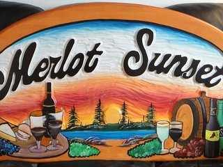 MERLOT SUNSET-The BEST Bed and Breakfast in Portland-Rideau Lakes Ontario
