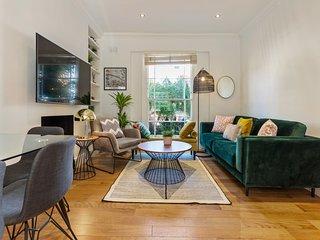 Elegant 4 Bed House, Sleeps 8 nr Camden Town