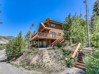 Fantastic home w/ view of Gore Range, two large decks, & walkable location!