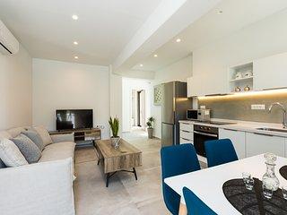 Naiades Apartment- Minthi/ 1 bedroom,beachfront