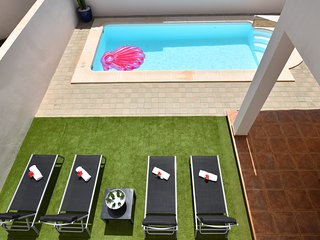 Lighthouse Villa - Private Pool - Barbecue