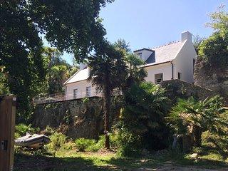 Maison ORGO, grande villa dans les palmiers, labellisée 4 étoiles.