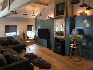 Stownes is an exquisite apartment with a roof terrace in Stow-on-the-Wold.
