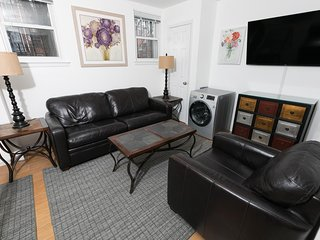 Sleeps 6 - 1 Bedroom - 1 Bath - 3 Beds - Just 7 Minutes to NYC saba