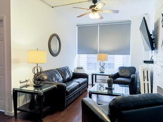 Chelsea - 2 Bedroom 2 Bathroom Residence - 900 Square ft. Sleeps 6