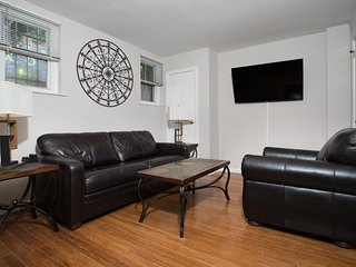 Sleeps 6 - 1 Bedroom 1 Bath - 3 Beds - Just  7 Min to NYC irea