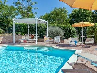 Villa Design con Piscina, 9 posti, aria condizionata,animali ammessi, Marche