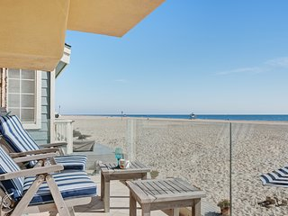 Oceanfront home w/ a gas fireplace, furnished deck, & beach access!