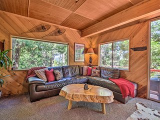 NEW! 'HewLander Hideaway' w/ Lake Arrowhead Views!
