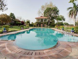 Hostie Ramsabagh - Artistic Farm Villa, Delhi