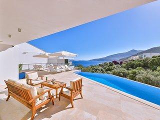 Kalkan Villa Sleeps 8 with Pool and Air Con - 5812137