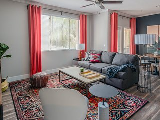 Sleek 1BR Apt | North Scottsdale #1074