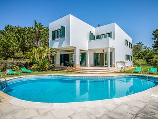 5 bedroom Villa with Pool and WiFi - 5812143