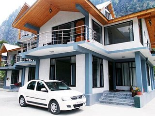 Clean and Well Maintained Cottage Located in Manali