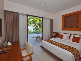 Premier Room - Breakfast you can enjoy the vivid blue sea and an epic views