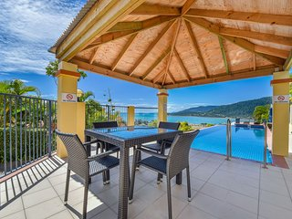 Ocean Views Galore - Airlie Beach