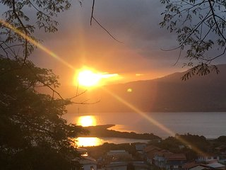 Incrível pôr do sol na Encantada