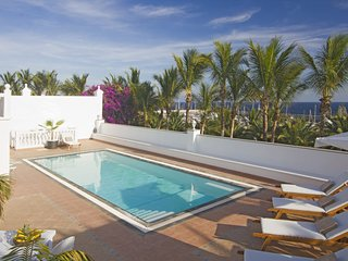 Puerto Calero Villa Sleeps 6 with Pool Air Con and WiFi - 5812187