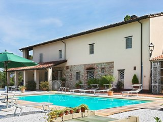 Tenuta Servolini on Lucca hills with new pool and great view