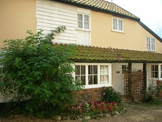 Detached 3 Bedroom Period Cottage In The Waveney Valley