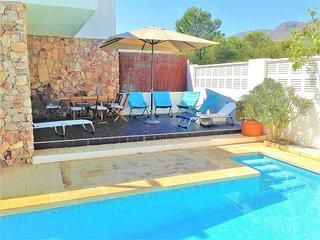 Casa con piscina agua salina jardin wifi