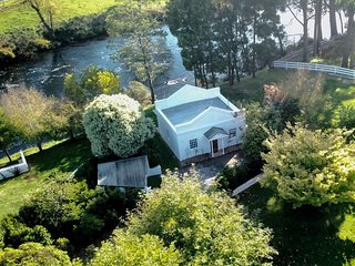 Forth River Cottage - Boutique Bed and Breakfast by the River