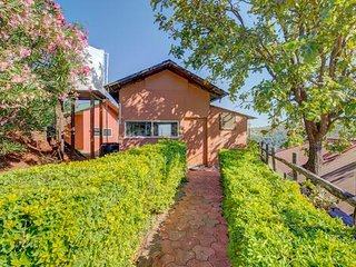 Luxury & Romantic Surrounding Cottage Located in Mahableshwar