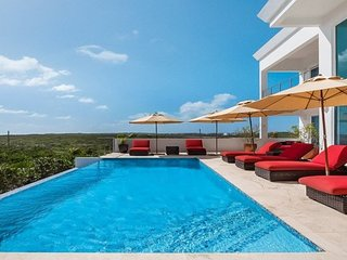 Villa Tequila Sunrise | Beach Front - Located in Wonderful Dropsey Bay with Pr