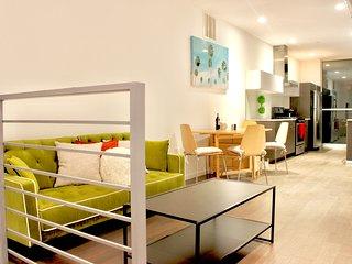 Chic, Modern 2bd Duplex Condo