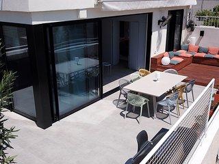 Nordau Blue | Roof-top Boutique Apartment | NEW!!!