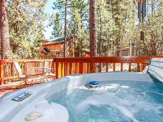 Serrano Cabin Ultra Relaxing 4BR w/ Private Spa / Mins To Town