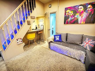 ★BEATLES THEMED★Beautiful & Cosy 3 Bedroom House