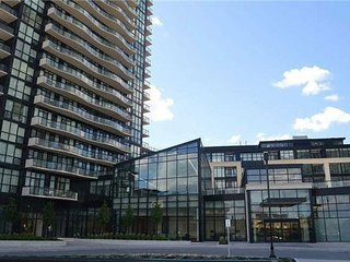 Luxury GTA CONDO, 2BD, 2BTH, KING SIZE BED