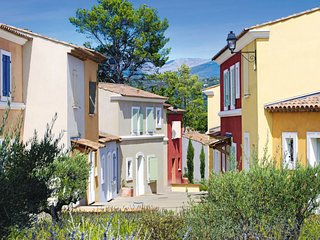 Les Saquetons Holiday Home Sleeps 4 with Pool Air Con and WiFi