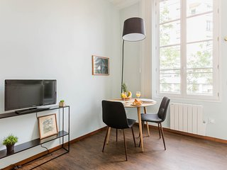 097. COSY STUDIO IN LE MARAIS – STEPS FROM CHATELET LES HALLES!
