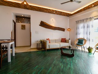 The Jazminn - Wood - Luxury Boutique Service Apartment