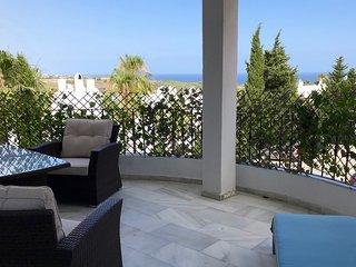 Apartamento precioso de 2 habitaciones Estepona Golf