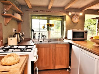 76449 Cottage situated in Perranporth (2.5mls NE)