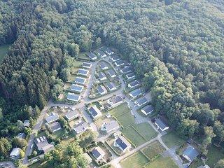 Heerlijke vakantiewoning van alle gemakken voorzien, rustige bosrijke omgeving.