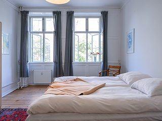 Bright Spacious Apartment in Christianshavn