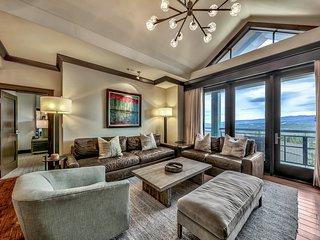 Must See Luxury Vacation Residence - Sleeps 10