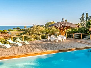 210968 villa,4 bedrooms,seaview, beach 200 mtr/ partly airco, heated pool 11 x 5