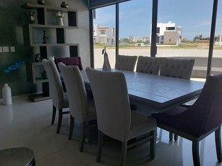 Una excelente casa dentro del zona residencial mas bonita de Mazatlan.