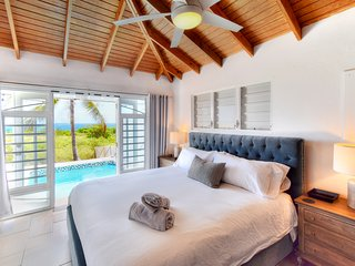 Casa Corona - Amazing Views, Pool, Secluded Beach