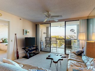 Comfortable dog-friendly condo with three shared pools and a hot tub!