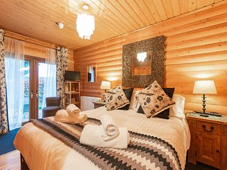 WeeOne - A gorgeous log cabin apartment at Redlands Country Lodge